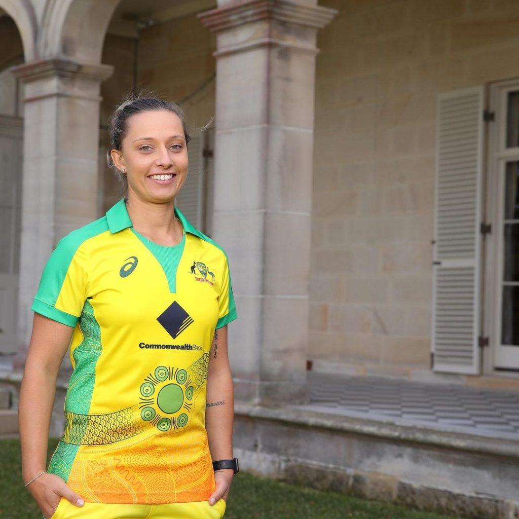 Ashleigh- Beautiful Female Cricketer WBBL List